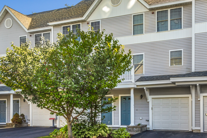 Shipside Village Townhouse, 12 Ship Ave Medford MA 02155 Townhouse For Sale